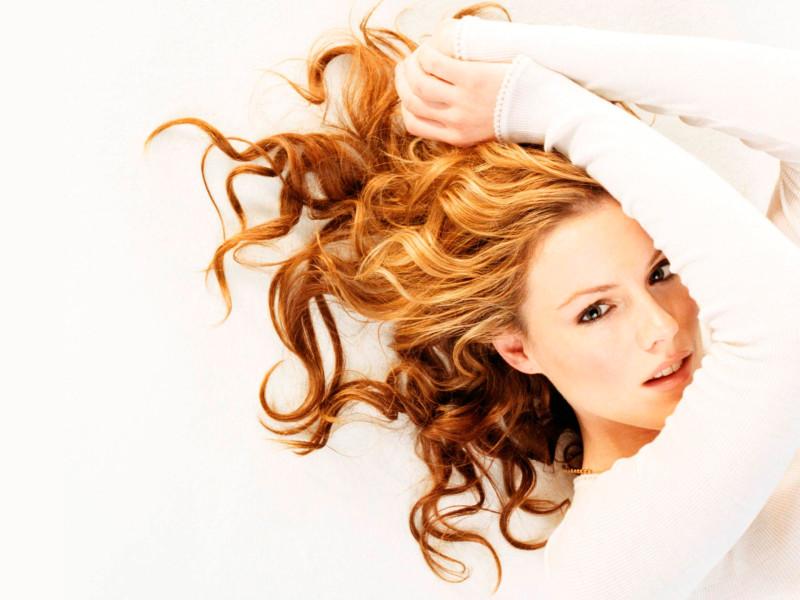 kathleen-robertson-great-hair-wallpaper-5316